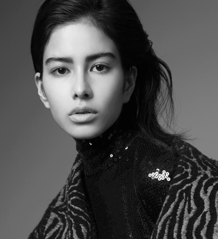 Julia Abe - Women image