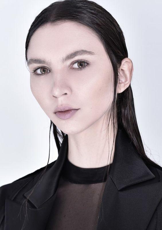 Ana Tess - Ny-w-management