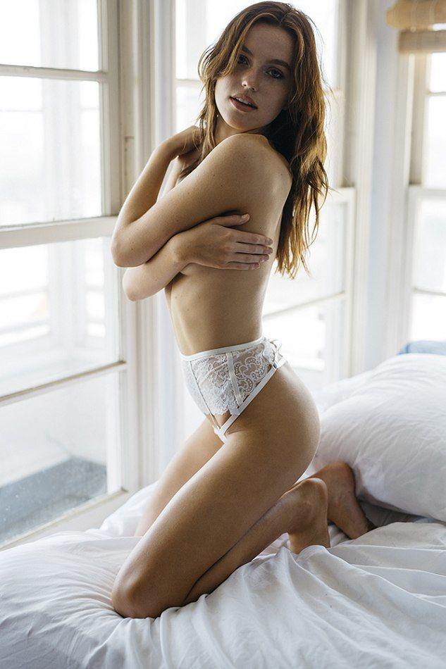 Emily Shriner Nude Photos 43