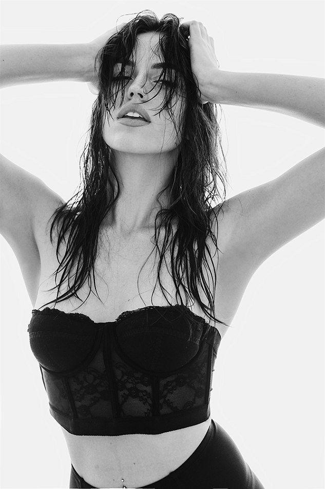 Emily Shriner Nude Photos 66