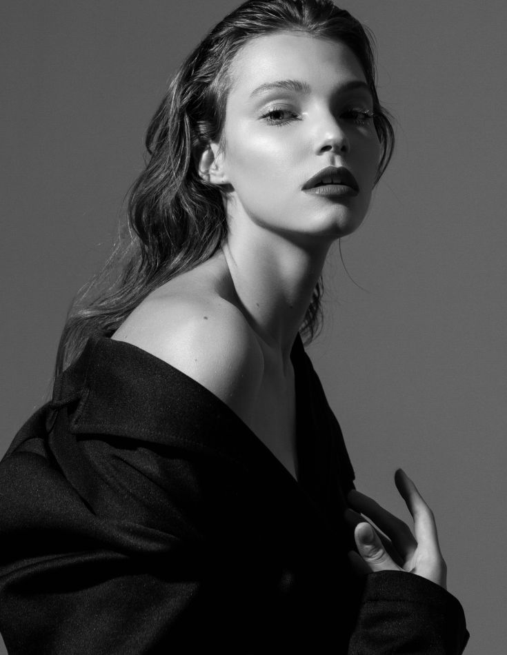 Anna Gryzlova - Titanium
