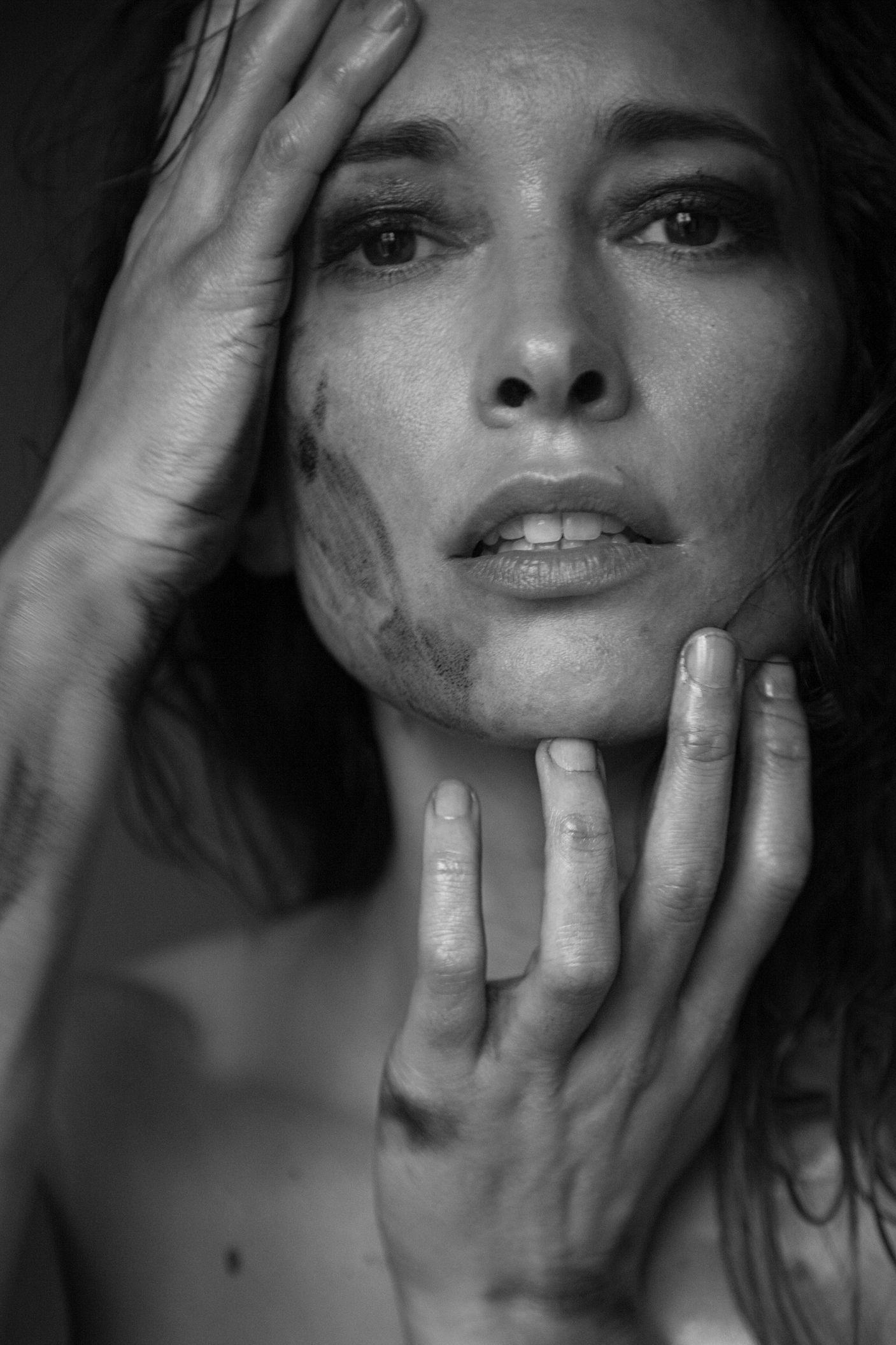Victoria Gordon Nude Photos 29