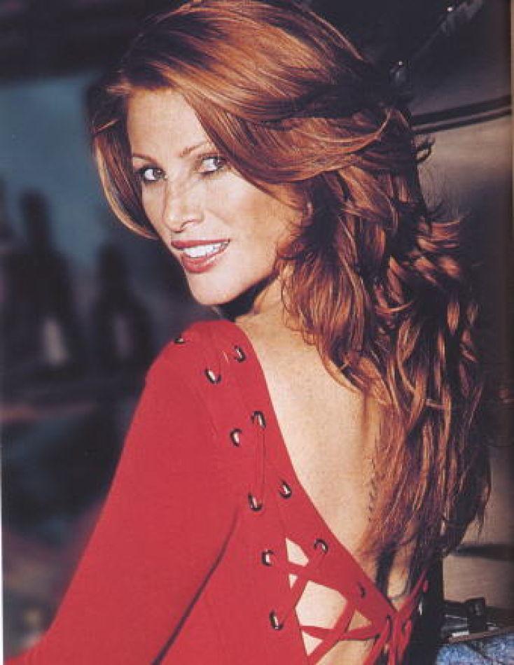 Angie EVERHART - Celebrities (web)