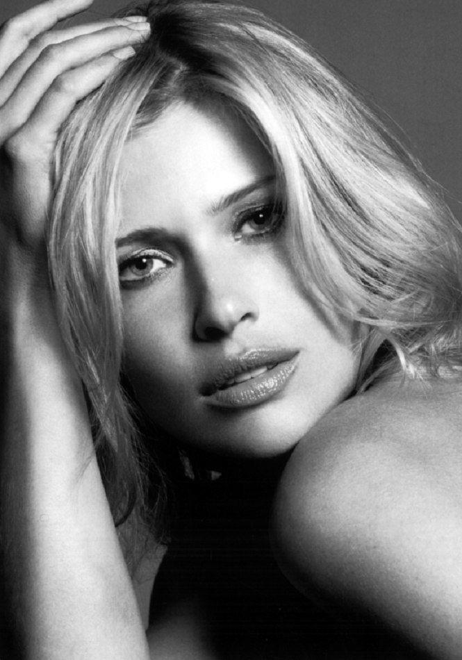 Daniela PESTOVA - Celebrities (web)