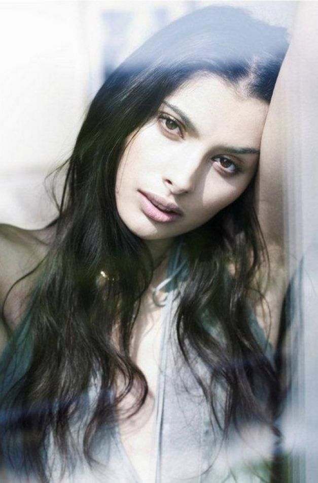 Gabriella WRIGHT - Celebrities (web)
