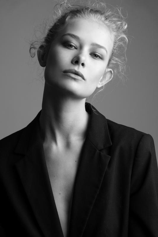 Karolina Bien - Mainboard