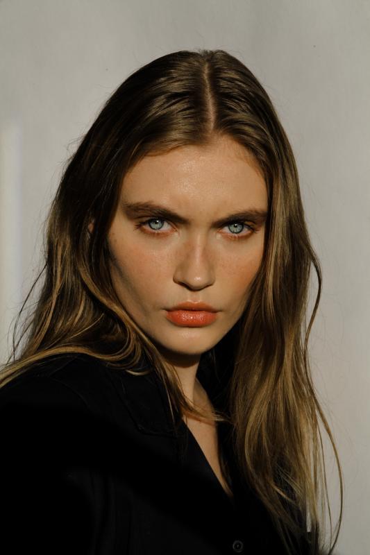 Eline Lykke - New faces curve