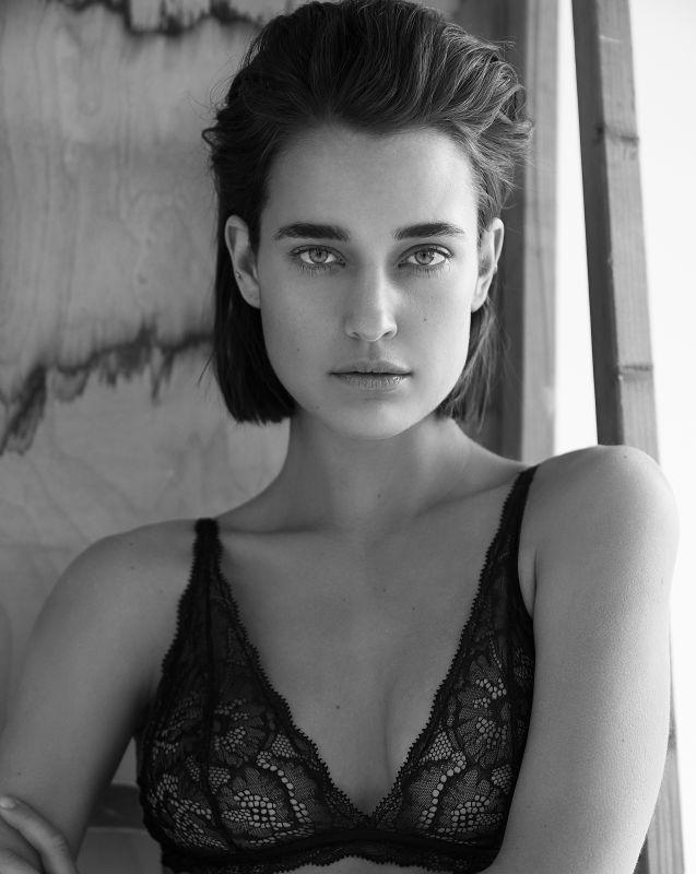 Kate Harrison - Main women
