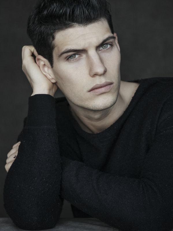 Victor Lorente - Main men