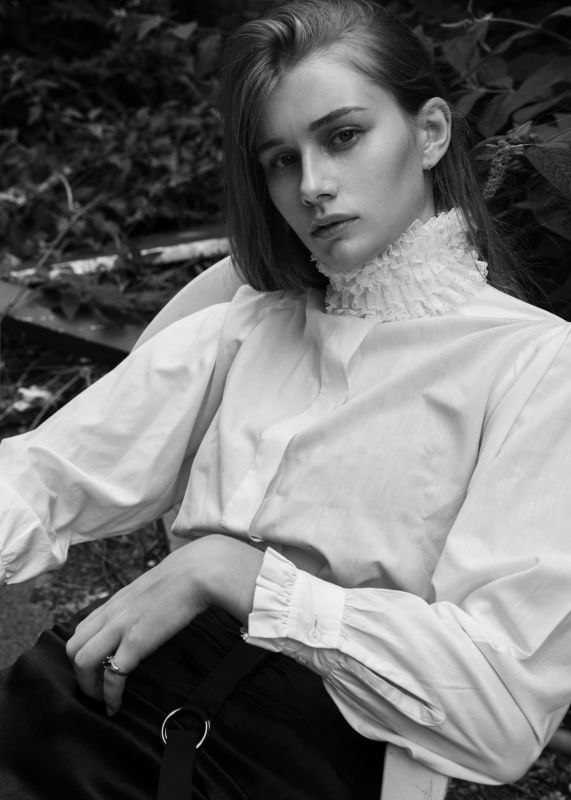 Lauren Jones - New faces curve