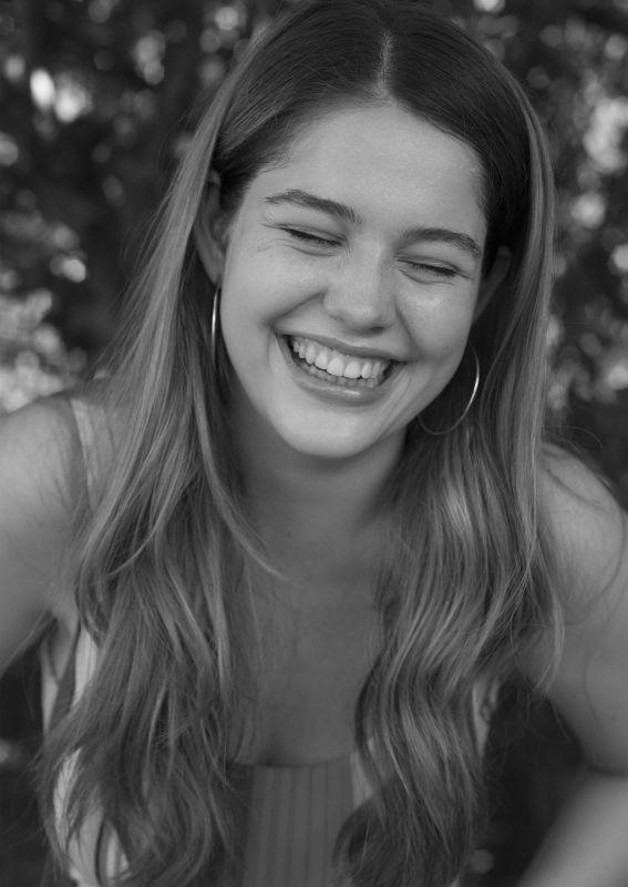 Sara Van Den Berg - New faces curve