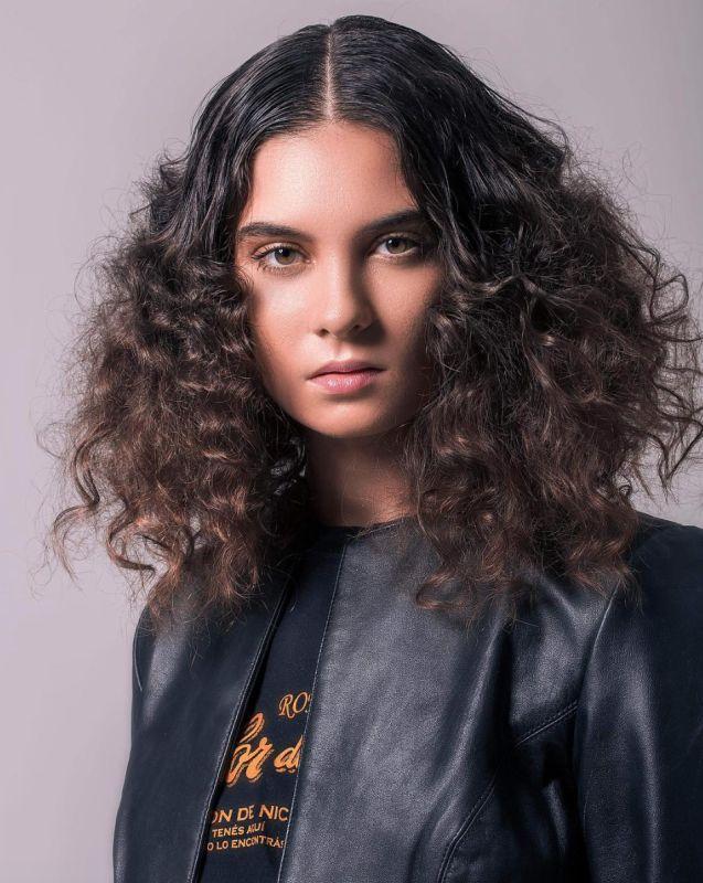 Mercer Casey - Women - Stylist