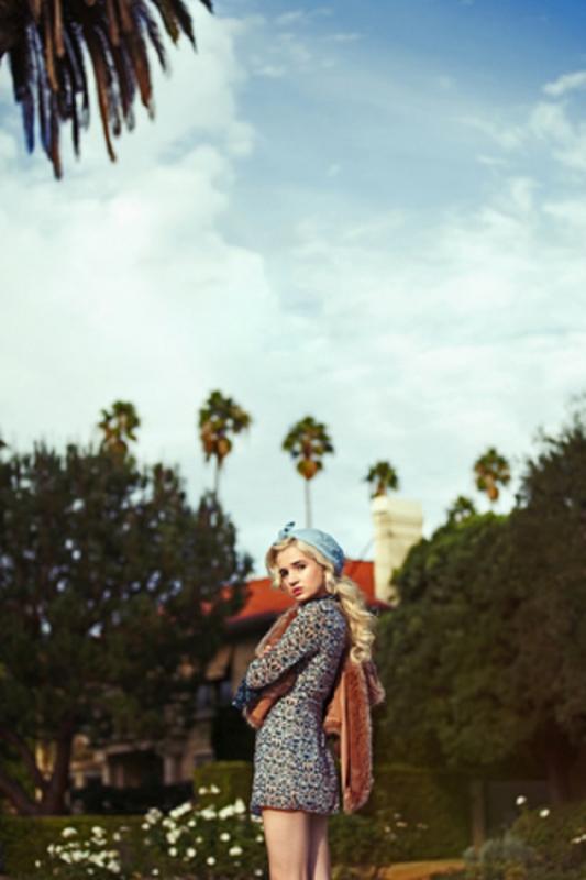 Erica Mer - Women - Stylist