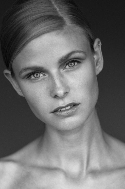 Katrine R - Women