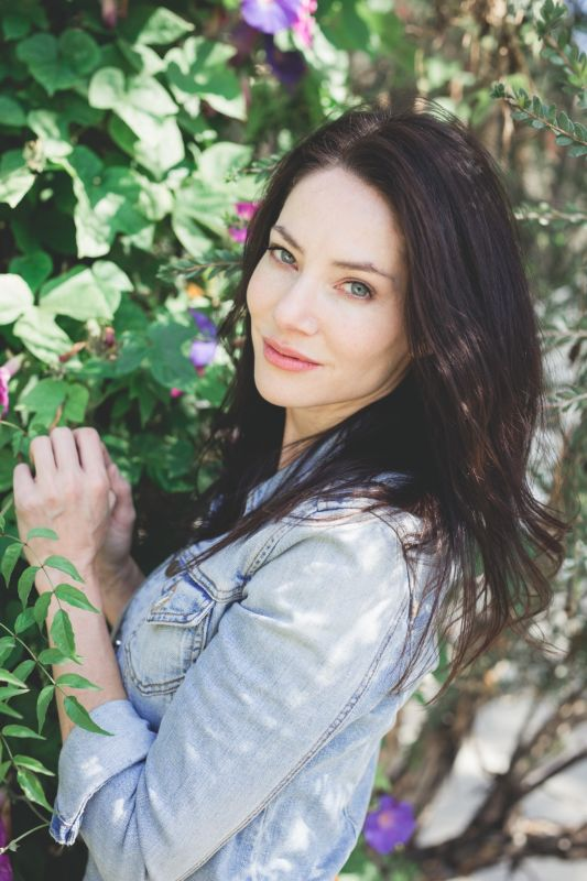 Tarah Dowling - La mainboard (website)