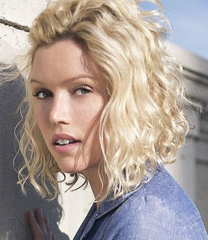 ELIZABETH CROMPTON - La talent (website)