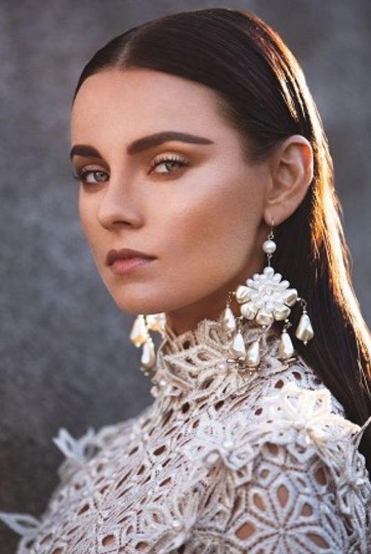 Karina Gubanova - La mainboard (website)