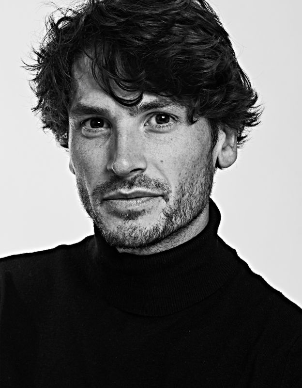 TOM JAMES - - models