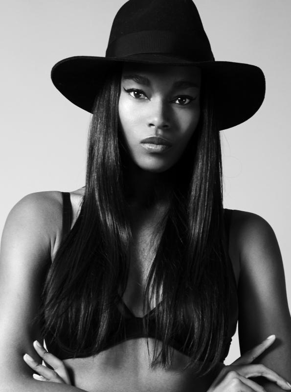 Damaris Lewis - - models