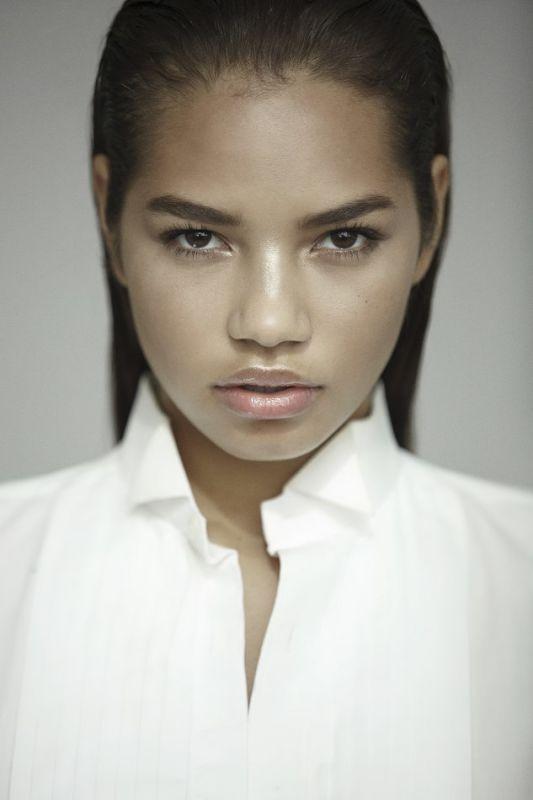 Nyah Brandl - La women