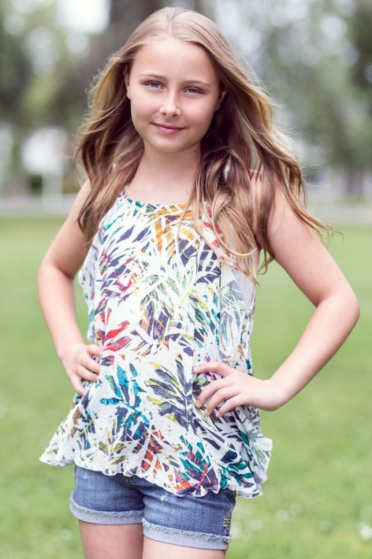 Phoebe Salisbury - Sf teen girl