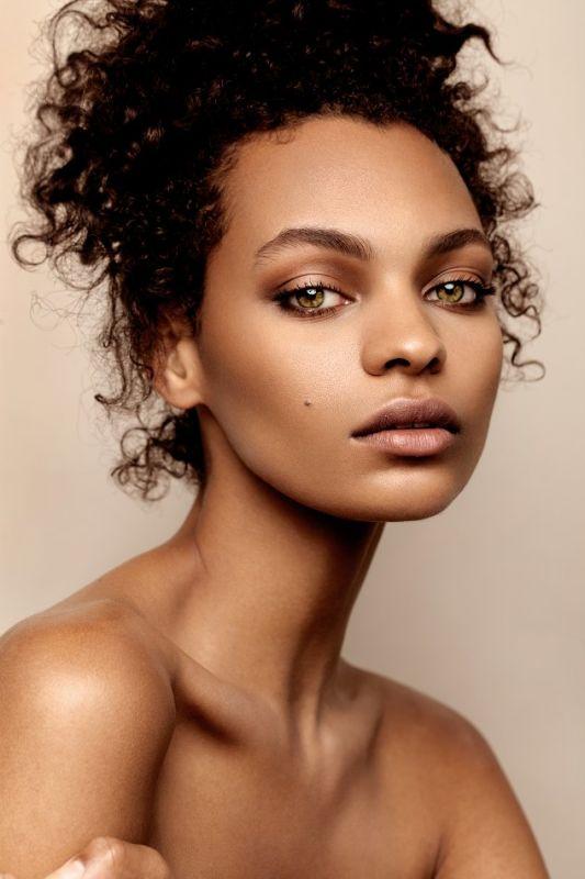 Sophia Jackson - La women