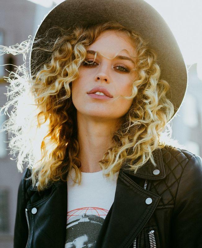Sydnie Miller - La w direct