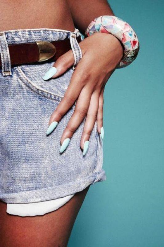 Lila Robles - Manicurist