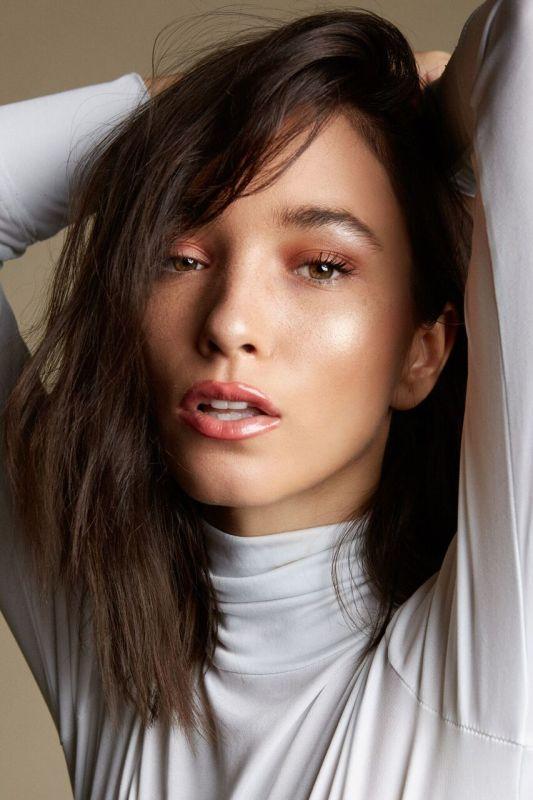 Leeana Jacobs - La women