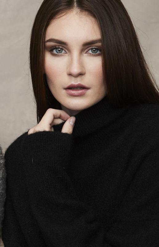 April Foster - Hair & Makeup - Hair and make up