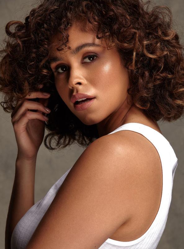 Melissa Ruiz - La curve