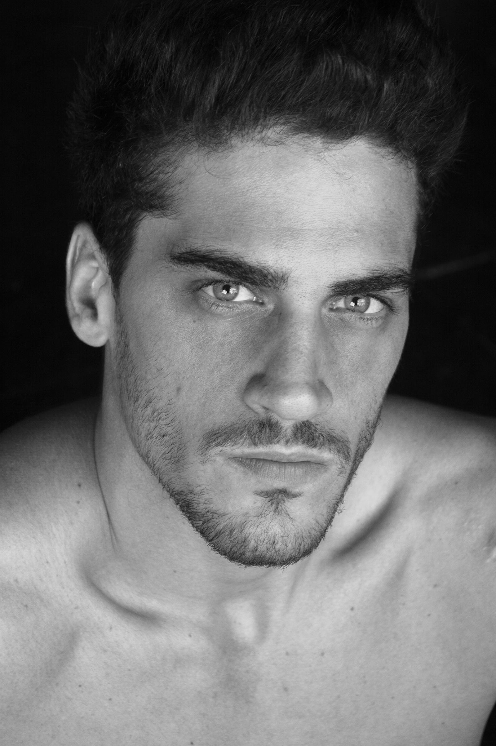 Simon Martoglio Ya en Chile