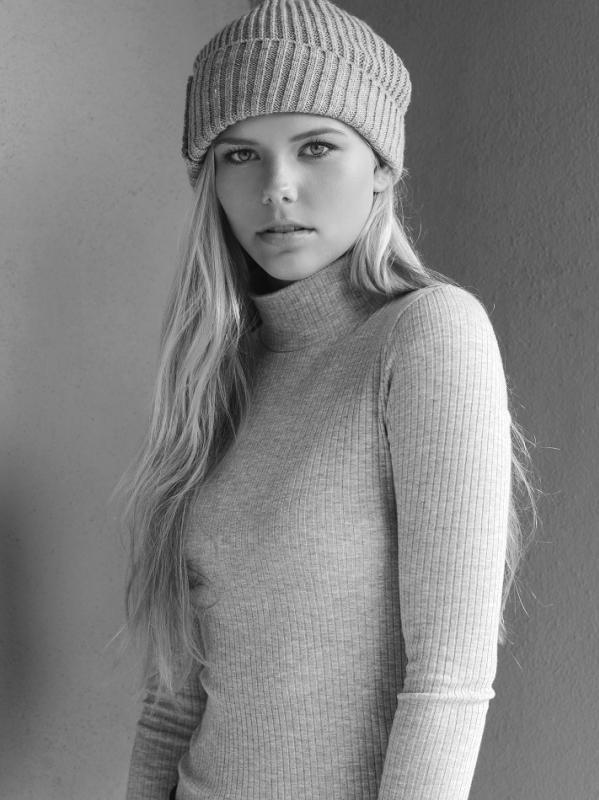 Caroline Pettet